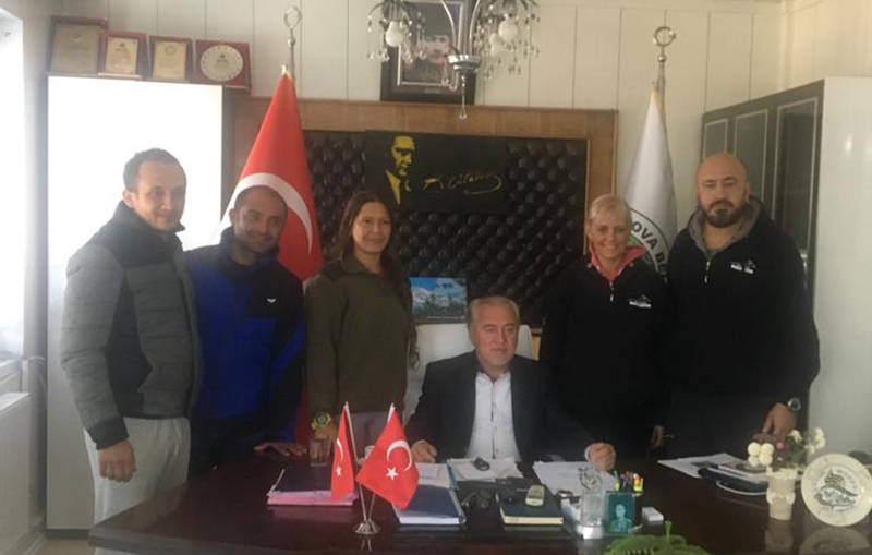 Başkan Özbek'ten milli sporcuya büyük destek