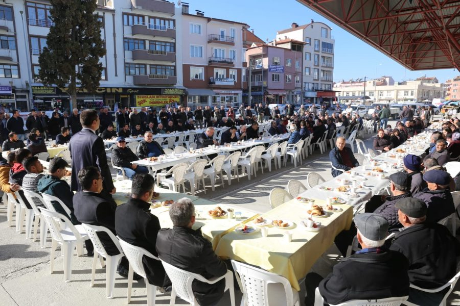 Başkan Ercengiz pazar esnafıyla sorunları konuştu