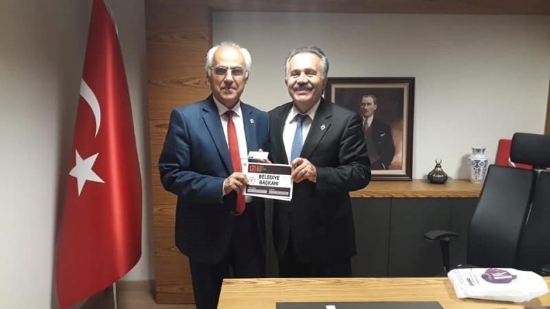 Başkan Şenel, Birlik'ten Başkanlık Kimliğini teslim aldı