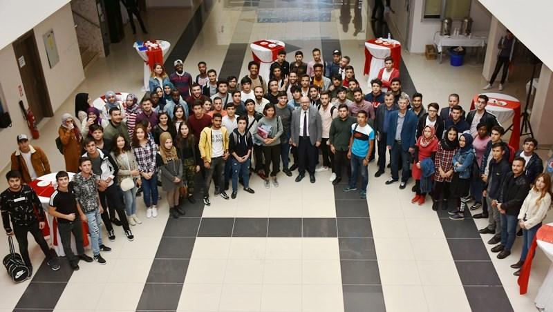 MAKÜ'de yabancı öğrencilerle 'Tanışma Çayı'
