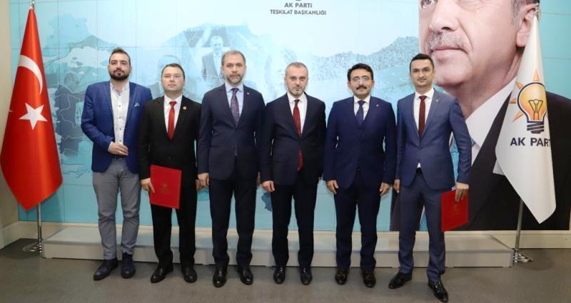 AK Parti Kemer ve Bucak ilçe başkanları belli oldu