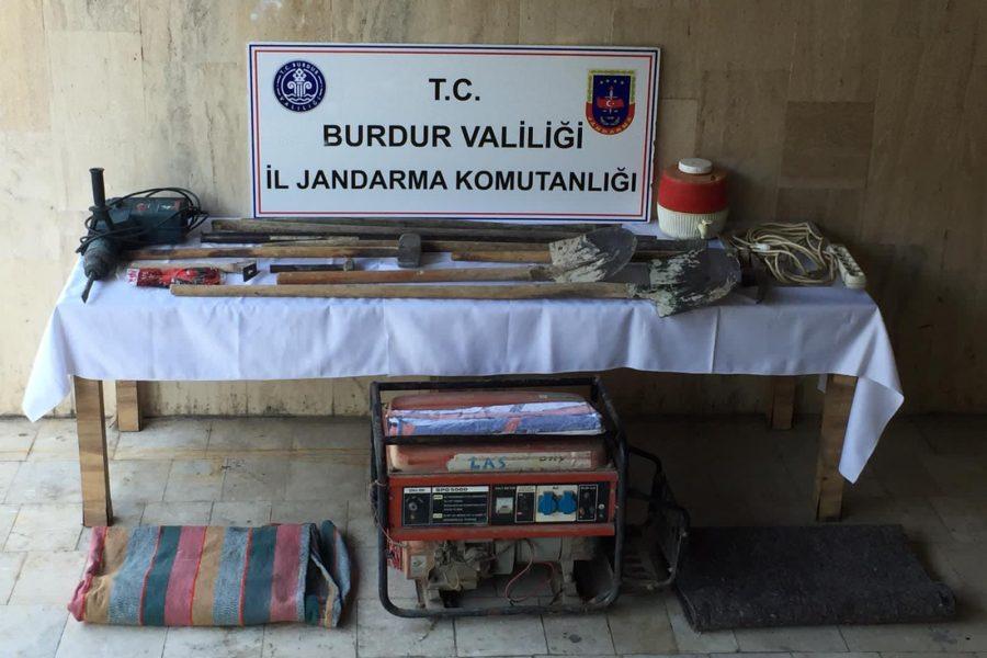 Burdur'da 1'inci derece sit alanında kazı yapanlara suçüstü