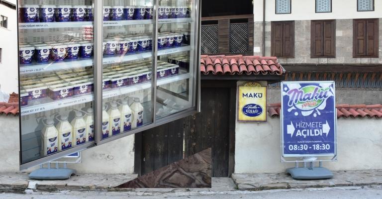 MAKÜ çiftlik ürünleri Burdur merkeze indi